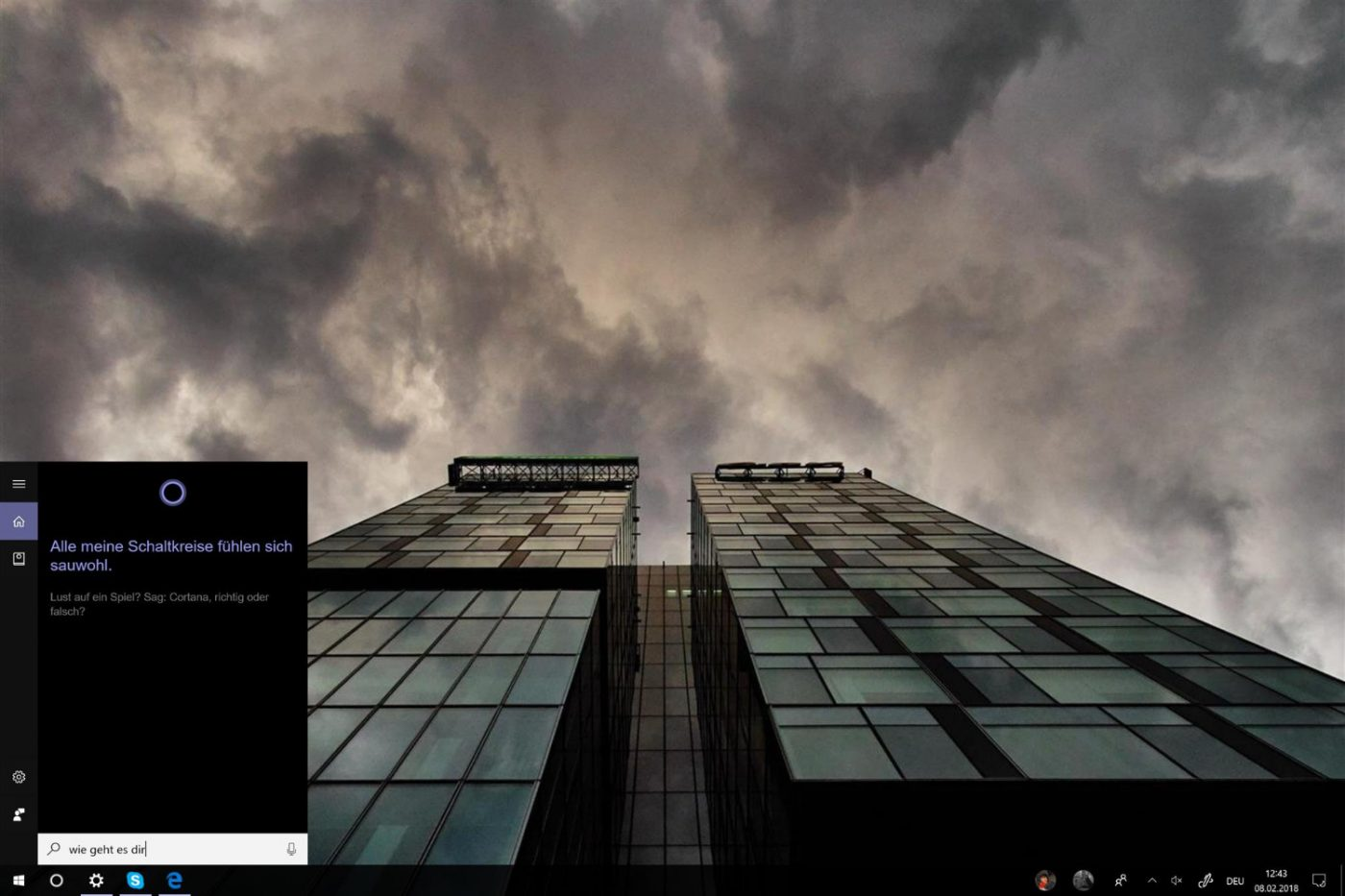 Windows 10 Desktop with open Cortana